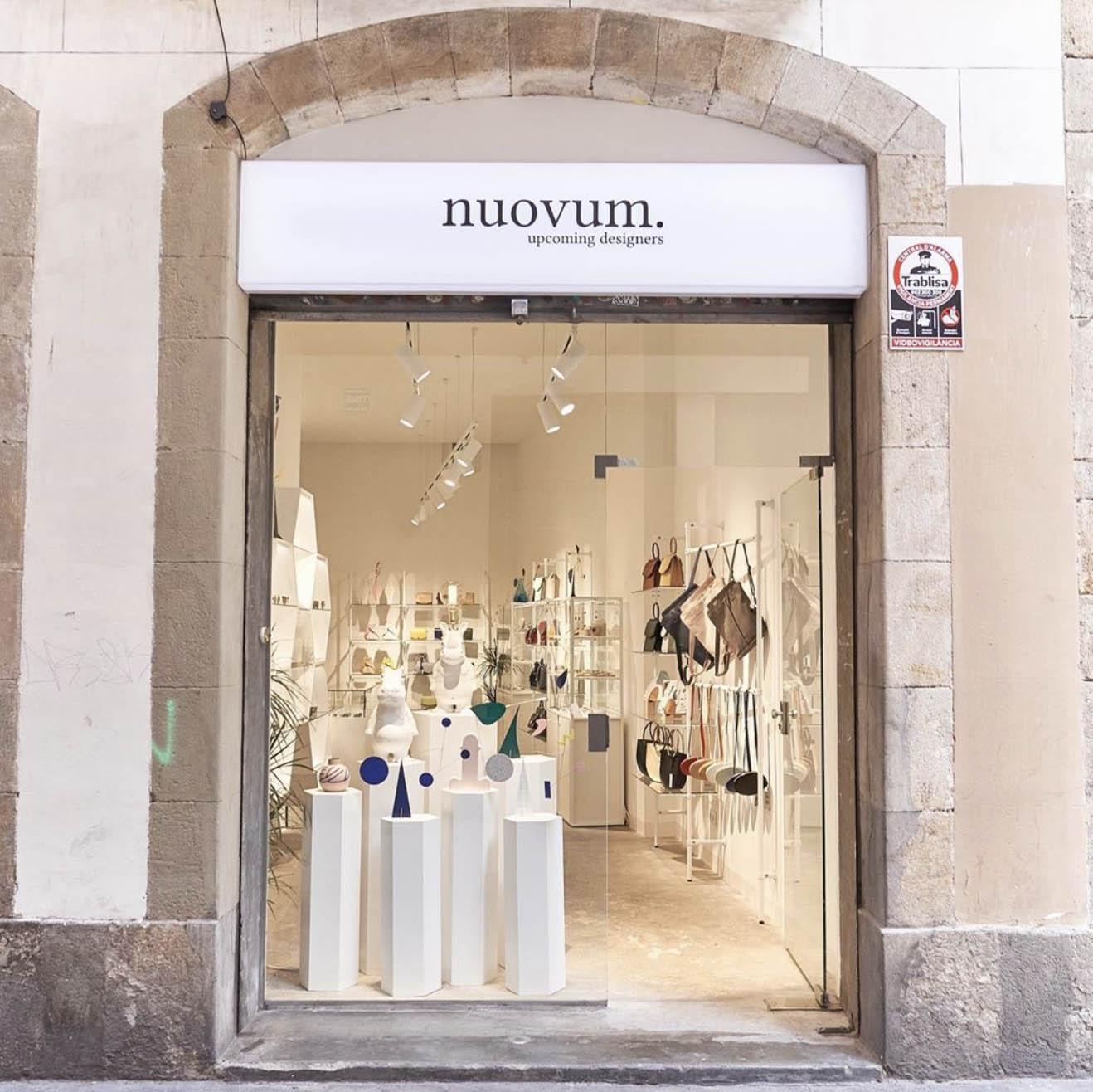 Vitrine de la boutique Nuovum, à Barcelone